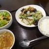 せろりや - 料理写真:カキと春キャベツの甘酢ピリ辛炒め