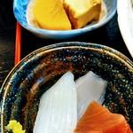 rengaya - 豪華な小鉢 煮物、お刺身