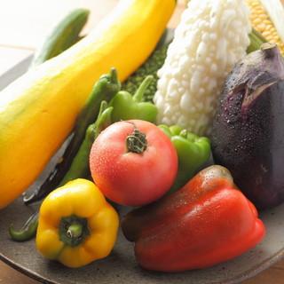 季節が旬の食材や「地元」の食材を使ったイタリアン料理を堪能