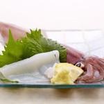 じろう桜 - 島根県隠岐の島産の白いかの刺身