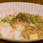ほろよい食堂 がじろう飯店 - 白いあんかけ麻婆豆腐丼