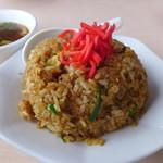80587649 - 醤油色の炒飯。