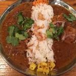 ホシオ食堂 - 2種盛り合わせ(スパイシーチキン、牛スネ肉とマッシュルーム)