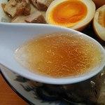 ケンチャンラーメン - 味・油ふつうのスープ