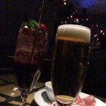 and people - 生ビールとカクテル