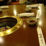 杏樹亭 - テーブル