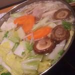 福山個室居酒屋 酒と和みと肉と野菜 - 寄せ鍋が完成です(2018.02.07)