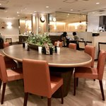 カフェ セジュール - 大テーブル席