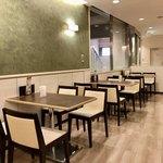カフェ セジュール - 4人用テーブル席