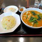 紅燈籠 - 料理写真:刀削麺担々セット(800円)
