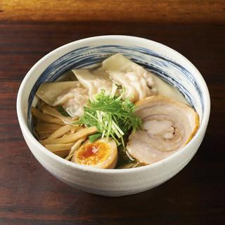 らーめん真太 - 料理写真:プリップリの海老ワンタン塩そば