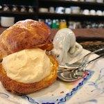 古瀬戸珈琲店 - 古瀬戸オリジナル シュークリーム 480円 (コクのあるマスカルポーネチーズが入ったカスタードクリームをサクッとした皮で包んだ一品)