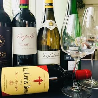 豊富なワインを取り揃えております♪