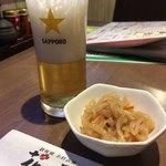 鉄板焼お好み焼 花子 - アサヒスーパードライ中瓶 580円 &お通し 300円