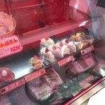 ボンメール洋菓子店 - ショーケース