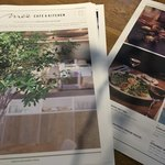 METoA Cafe & Kitchen - メニュー。冊子で置かれています。