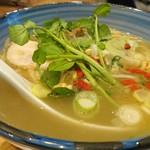自家製麺 啜乱会 - 料理写真:薬膳らーめん・塩 930円