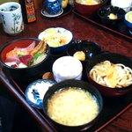 寿司割烹ふる川 - チラシ定食全景