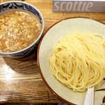新橋 纏 - 濃厚鶏つけ麺(並¥850)。つけ汁は鰹節の香る、甘み強めの醤油ベース。これは気に入った!