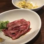 80642515 - 炙りトロ肉刺し