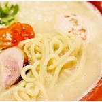 麺や いま村 - 多加水プリプリ麺。