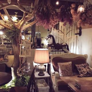 ヨーロッパのアンティーク家具や調度品