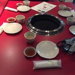 ホルモン・焼肉 キムチ - 焼き台