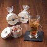 アオリ中華楼 - 12 種の八宝茶