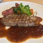 80654699 - 県産 豚肉ロースのグリル 冬根菜のロースト添え あめ色玉葱ソース