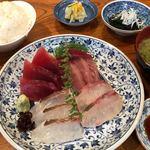 纏寿司 - お刺身盛合わせ定食 1500円。
