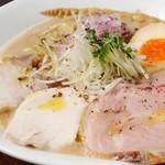 麺や 樂 - 白湯(ぱいたん)ラーメン しょうゆ