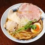 麺や 樂 - 清湯(ちんたん)ラーメン しょうゆ