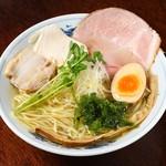 麺や 樂 - 清湯(ちんたん)ラーメン しお