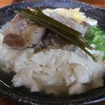 そば処 一本松 - ゆし豆腐そばゆし豆腐側から