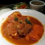 80668341 - ラムジャンクのトマトソース煮