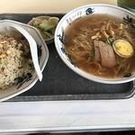 玉喜ラーメン - 料理写真:半チャンらーめんセット600円