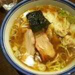 Menyahayashimaru - わんたんめん(醤油)