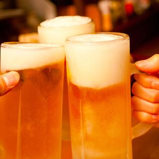 カクテル、ビール、焼酎、日本酒、ワインなど豊富なドリンク