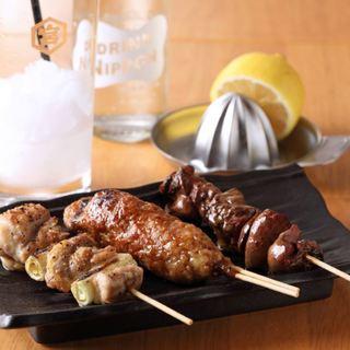 お寿司や串など、ひとりに丁度いいメニューが充実