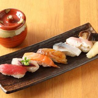 敷居の高くない店で気軽にお寿司が食べられる
