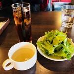 HUNDRED - スープ、サラダ、ドリンク付き!