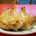 白龍 - 半餃子