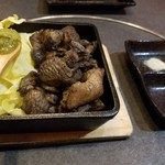炙り焼き居酒屋 達磨 - 料理写真:地鶏の炙り焼き