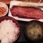 酒処 つがる - ベーコンステーキ定食(900円)