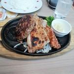 ステーキのどん - 日替わりランチ:ハンバーグとチキンステーキと豚の竜田揚げ