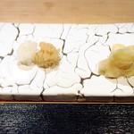 二條 葵月 - 米酢と赤酢のシャリ