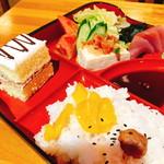 響 - カキフライ定食(700円)