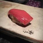紋ずし - 料理写真:中トロ