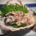 紋ずし - 生牡蠣に胡椒が合うんです!