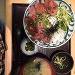 totoguranemuro - えぞ鹿ロースト丼定食950円(税込)